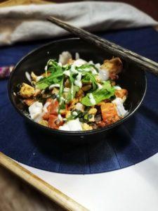 Pohánkový bowl s lososom v horčicovej omáčke