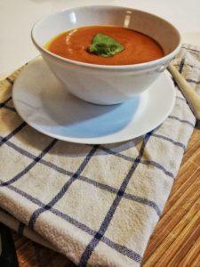 Paradajková polievka z miomatu